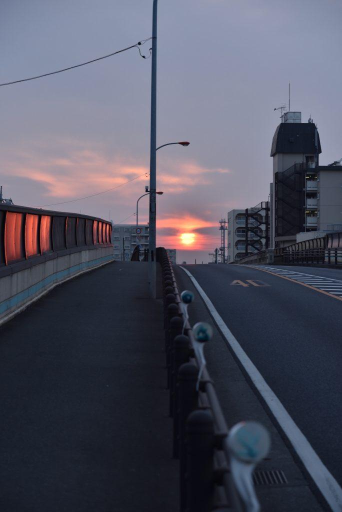 中央林間2丁目 山王原跨線橋からの日の出です