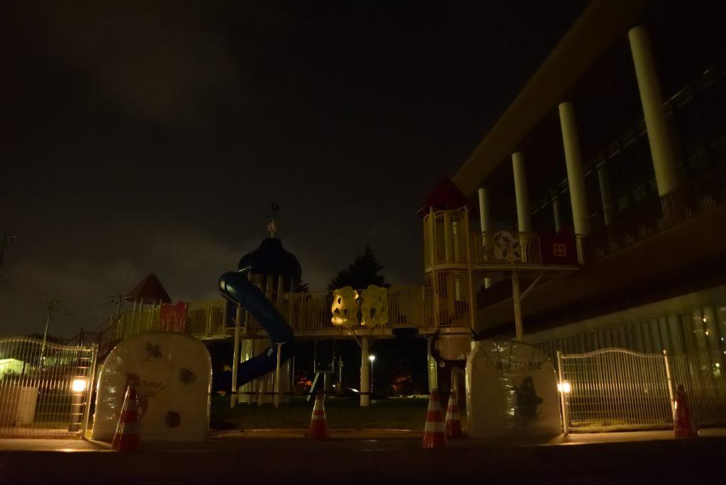 大和市北部文化・スポーツ・子育てセンター 市民交流拠点 ポラリス(PoLaRis) 星の子ひろば オープン前の夜景です
